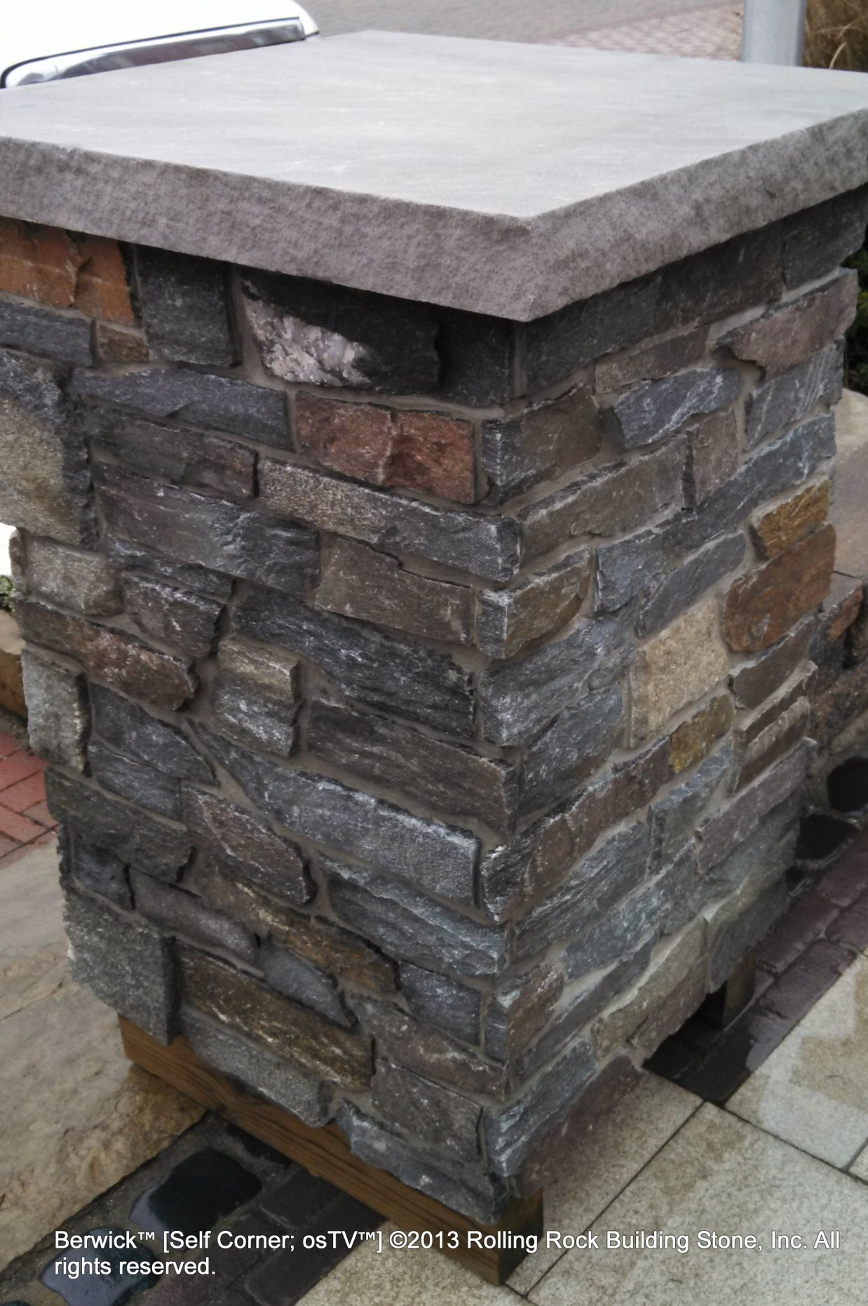 Building Stone Veneer : Berwick™ rolling rock building stone inc